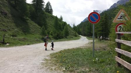 Viaggiare con i bambini cover image