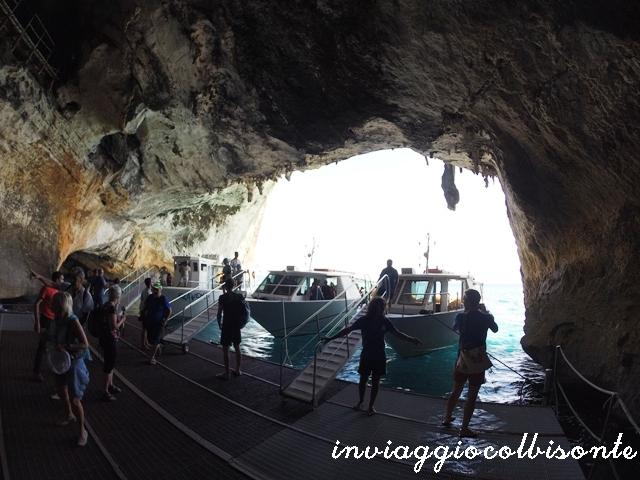Golfo di Orosei con i bambini: Ingresso della Grotta del Bue Marino