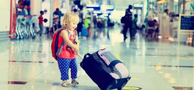 Intrattenere un bambino in un viaggio lungo